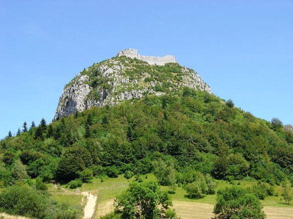 800px-Montsegur_montagne