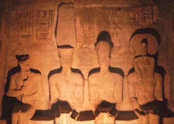 Egypt-abu-simbel_02