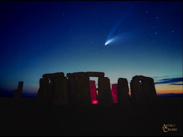 stonehenge-comet-800